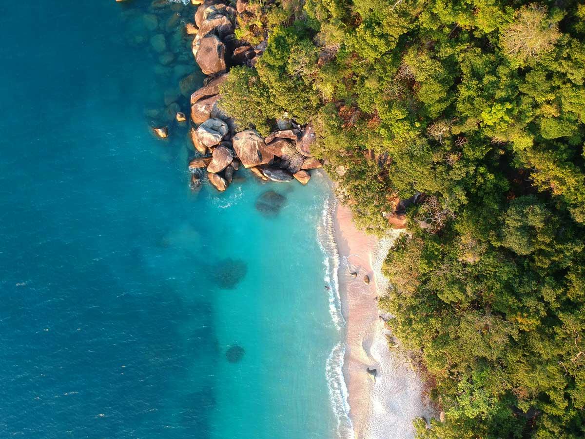 Fitzroy Island Nudey Beach Plage Drone