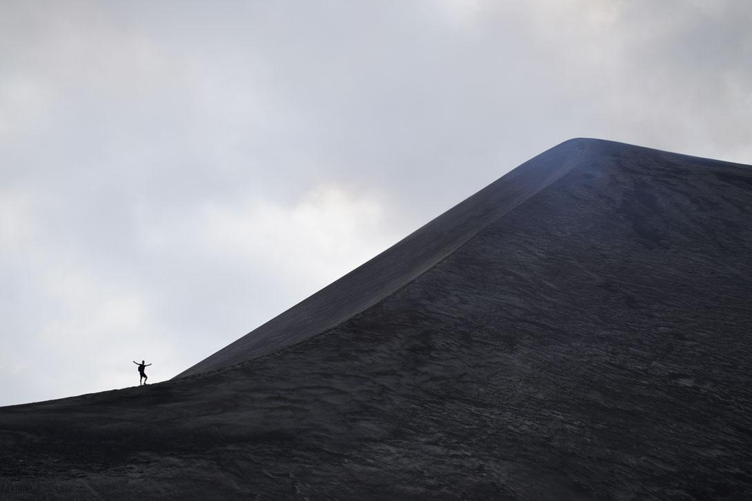 Dans la Ash Plain au pied du Mont Yasur