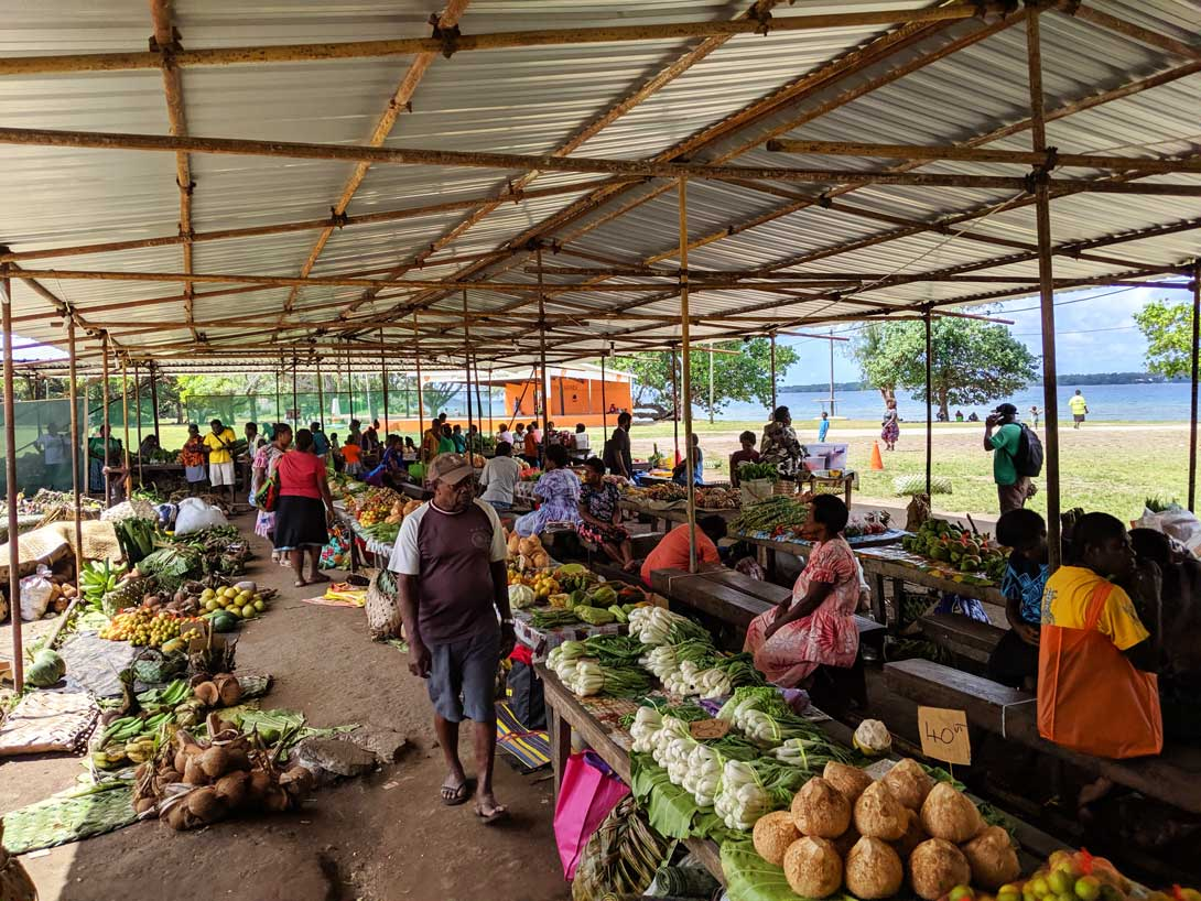 Marché local de Luganville