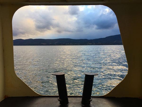 Vue de l'océan et Bruny Island depuis le bateau