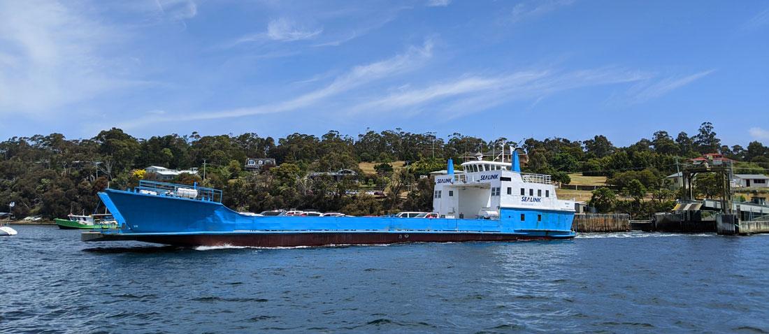 Ferry qui établit la liaison entre Kettering et Bruny Island
