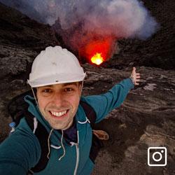 Selfie en haut du Volcan Yasur