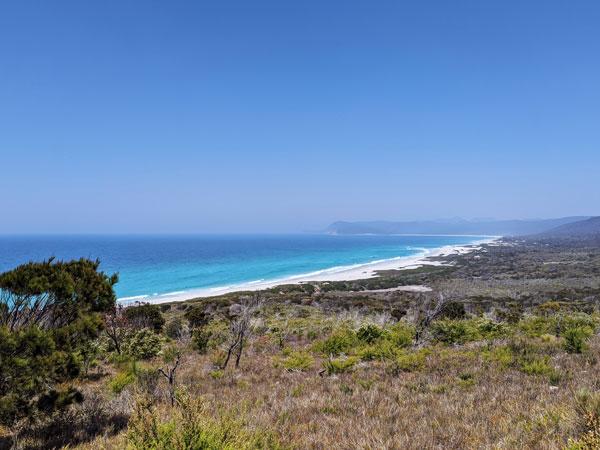 Friendly Beaches dans toute leurs longueurs