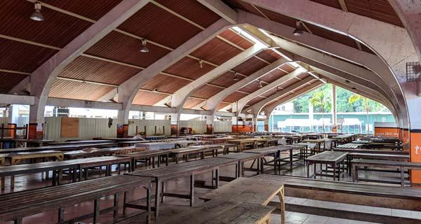 La marché de Port Vila un dimanche matin...vide