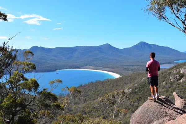 Vue depuis le Wineglass Bay lookout