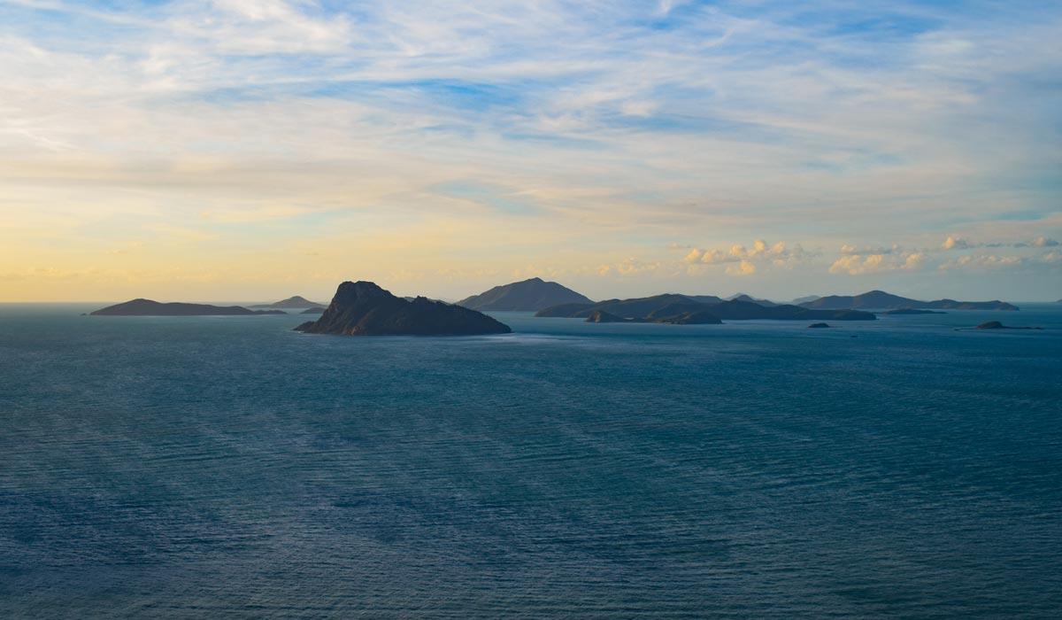 Perseverance Island et un groupe d'îles au large d'Hamilton Island