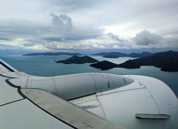 Hamilton Island et l'archipel des Whitsundays vus depuis l'avion avant d'atterrir