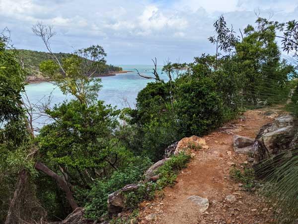 Chemin de randonnée menant à Coral Cove