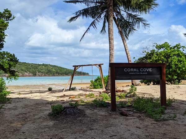 Coral Cove et sa balançoire sur Hamilton Island