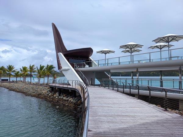 Le Bommie Restaurant sur la Marina de l'île Hamilton