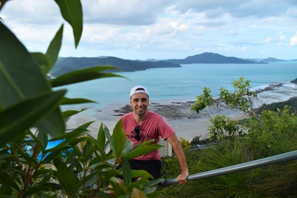 Mika au resort lookout - Exploring Paw